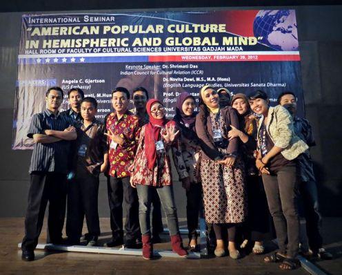 International Assembly, diambil bersama teman-teman kampus Amstud UGM 2010.