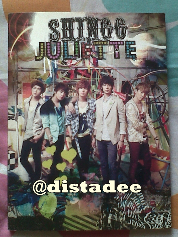 Isi paket : 1 CD, 1 DVD dan photobook